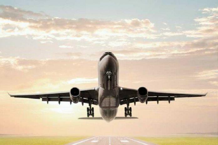 airplane-696x464