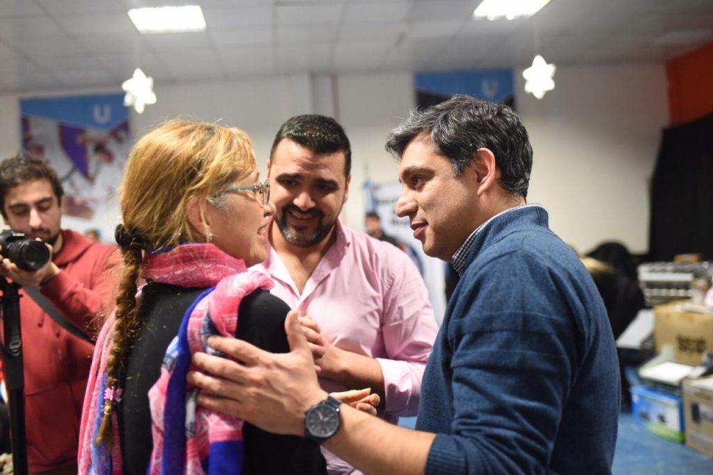 Matias Rodriguez junto a las mujeres emprendedoras 2