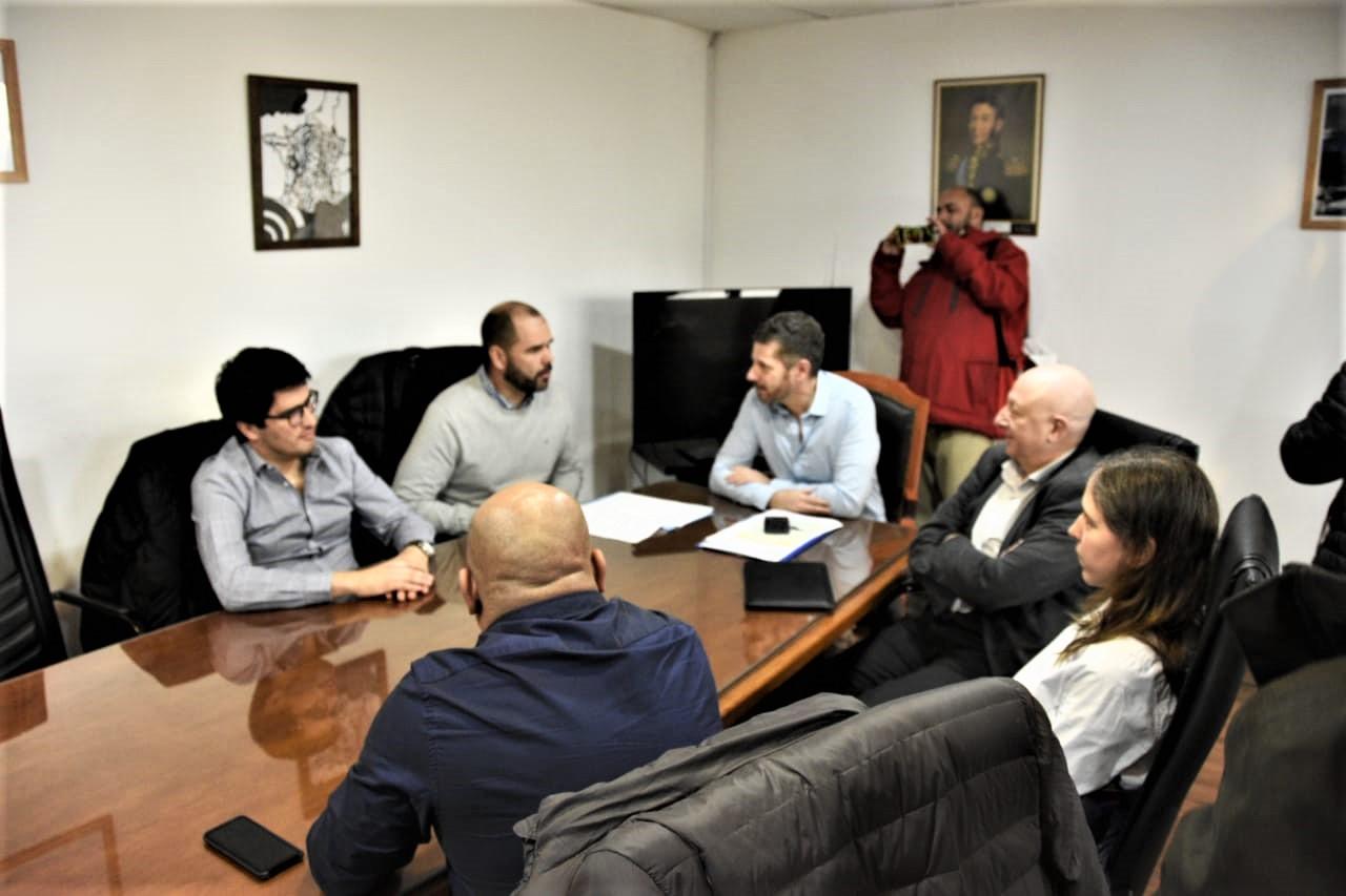 Photo of primera reunión formal en el marco de la transición de gobierno entre la actual administración provincial y la que asumirá el 17 de diciembre
