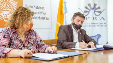 Photo of EL CENTEC Y EL IPRA FIRMARON UN CONVENIO PARA LA MODERNIZACIÓN DE JUEGOS DE AZAR EN LA PROVINCIA