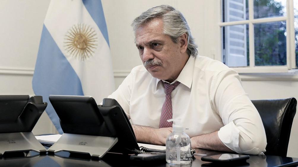 Photo of FERNÁNDEZ VIAJA A RÍO GRANDE PARA INAUGURAR LA AGENDA DE CAPITALES ALTERNAS PARA EL 2021