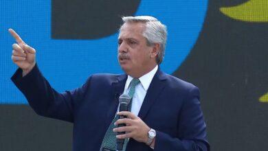 Photo of ALBERTO FERNÁNDEZ PIDIÓ MILITAR EL VOTO Y DIJO QUE HAY EN JUEGO «DOS MODELOS DE PAÍS»