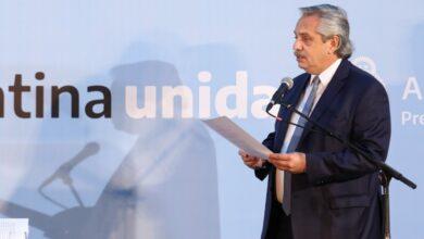 Photo of ALBERTO FERNÁNDEZ: «LA SOLUCIÓN NO ESTÁ EN DIVIDIRNOS, SINO EN ESTAR MÁS UNIDOS QUE NUNCA»